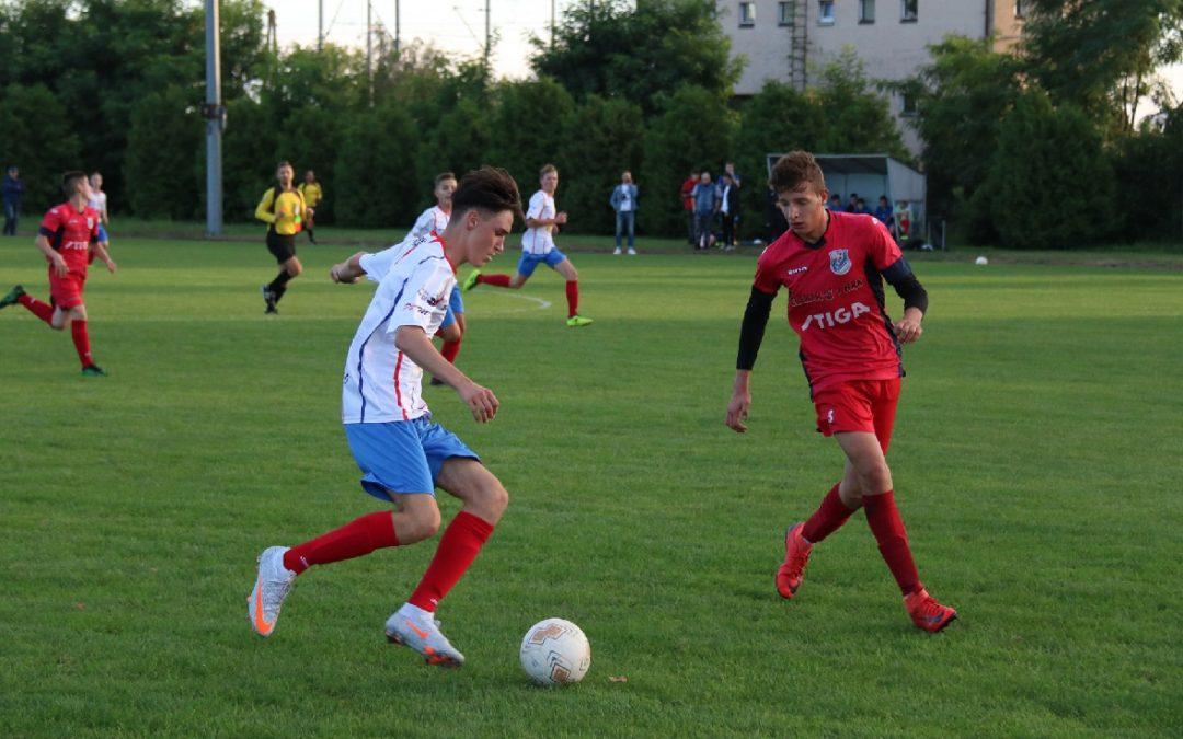 Wygrana juniorów w Chorzeminie